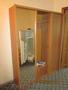 Два шкафа в спальню,  две раздвижных двери,  встроенное зеркало,